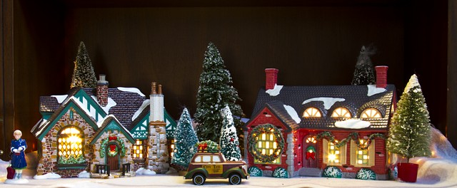 i soon had some 44 buildings plus accessories on my old 200 square feet o gauge three rail three mainlines layout seen here - Ceramic Christmas Houses